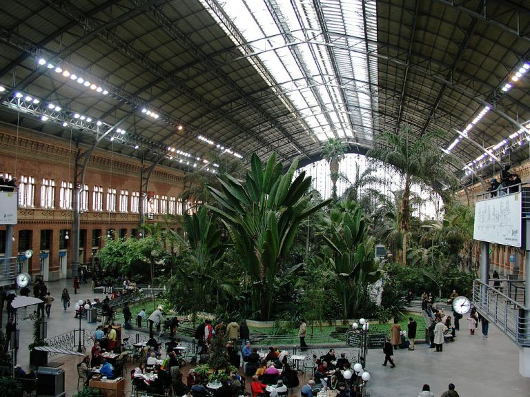 Atocha_main_hall01