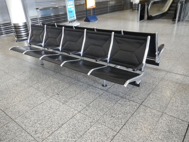 Bench at Ashford International (international services concourse). (c) Daniel Wright, 2013.