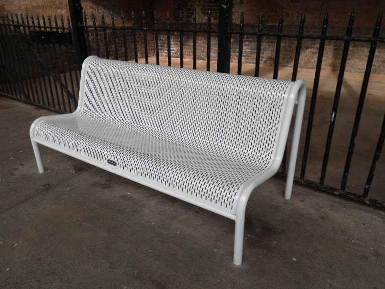 Bench at Bexhill station. (c) Daniel Wright 2013