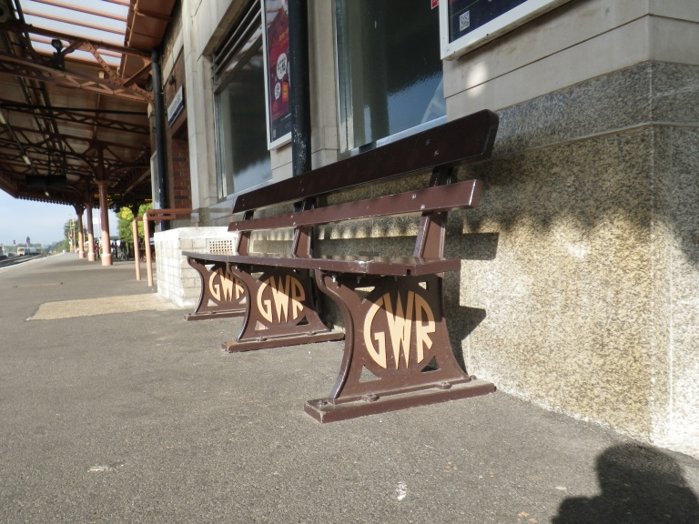 Bench at XXX station. (c) Daniel Wright 2012