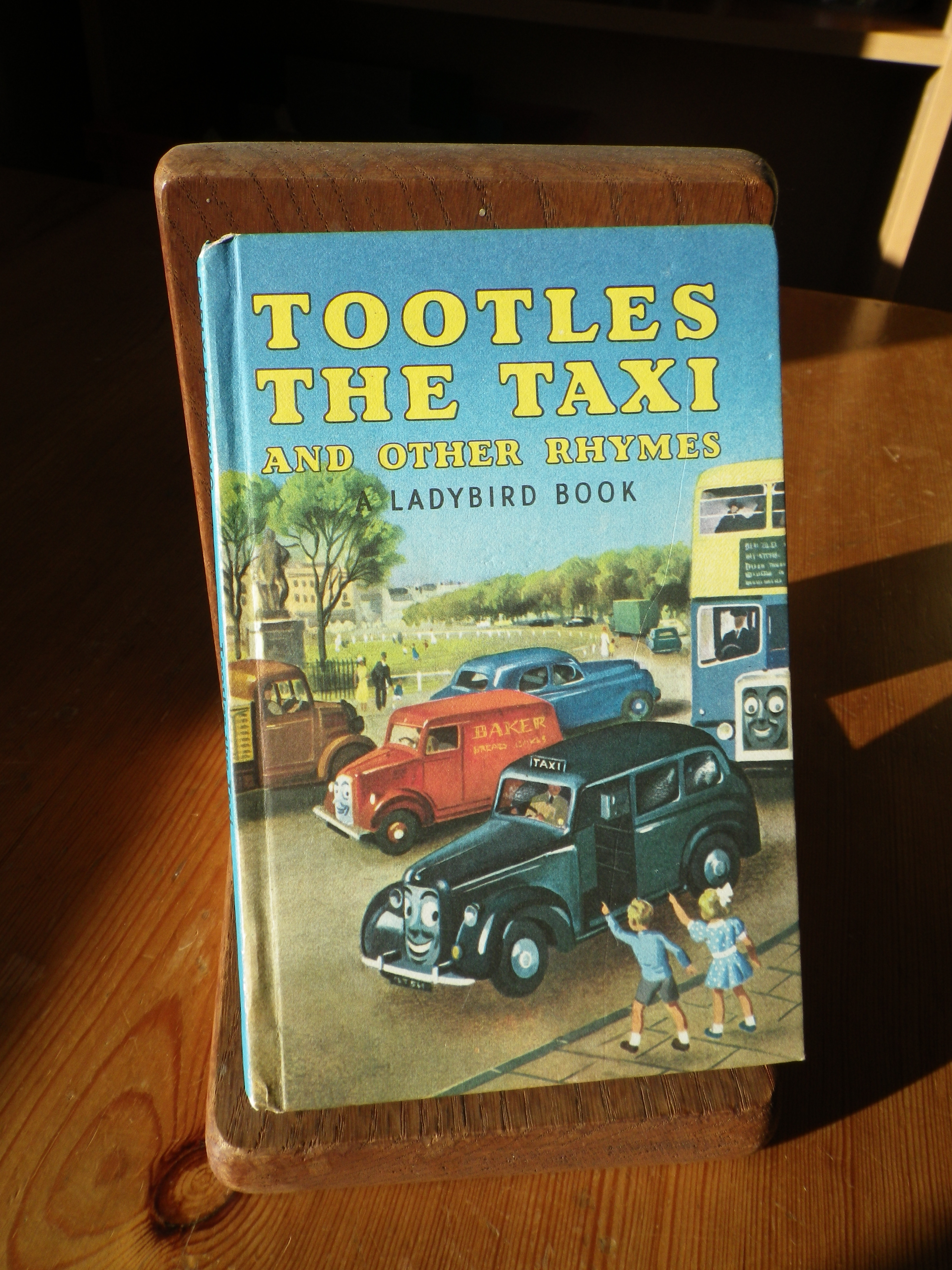 A Gay Colourful Read (Tootles the Taxi and Other Rhymes ...