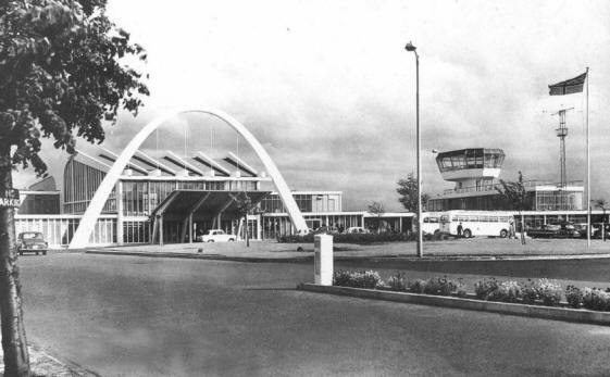 The terminal building at Renfrew Airport. From Renfrew Aviation, by James Reilly, on www.myrenfrew.com, where there are other pictures of the terminal building, both inside and out.