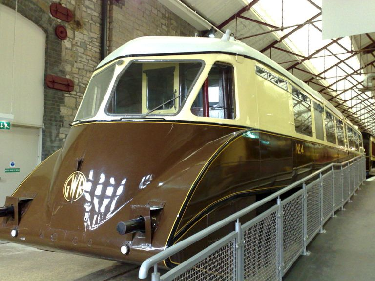 GWR railcar at the STEAM Museum in Swindon. By Tim Walker [CC-BY-2.0], via Wikimedia Commons