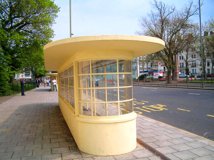 Art Deco tram shelters, Old Steine, Brighton. By catchesthelight [CC BY-SA-2.0], via flickr