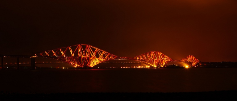 The Forth Bridge at night. B Magnus.Hagdorn. [CC BY-SA 2.0] via flickr