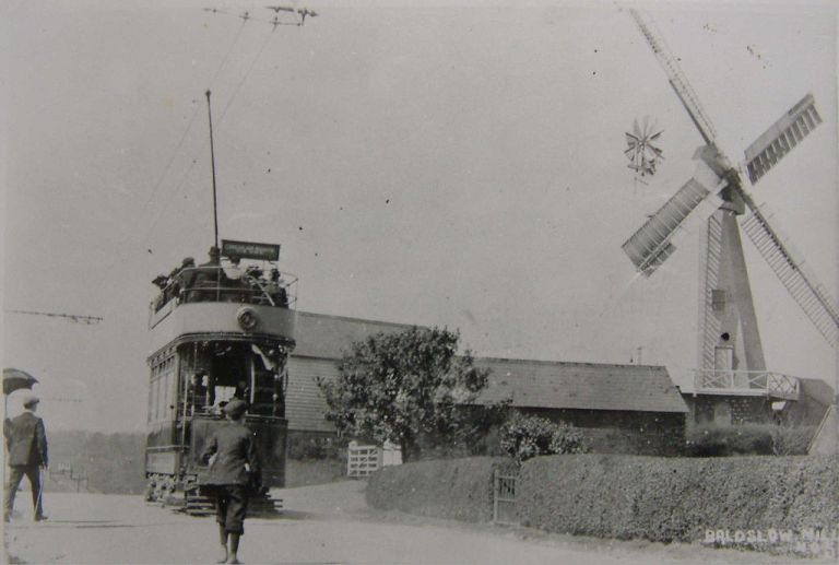A Hastings tram at Baldslow Mill. See page for author [Public domain], via Wikimedia Commons
