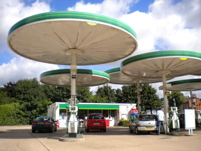 Red Hill filling station, August 2013. ©Paul Wright (reproduced with permission)
