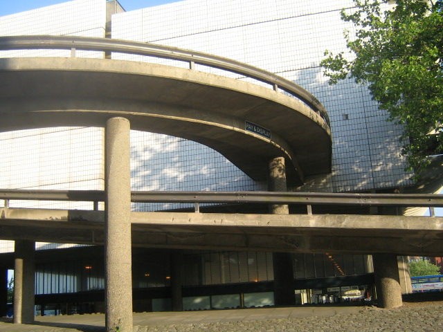 One of the ends of Preston bus station, with car park access ramp. By outofmytree [CC BY-ND 2.0] via flickr