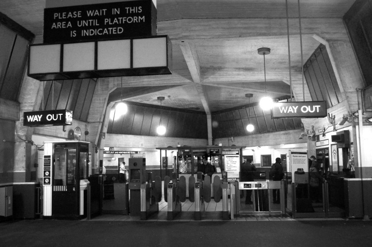 Cockfosters ticket hall from the platforms. By Daniel Wright [CC BY-NC-ND 2.0]