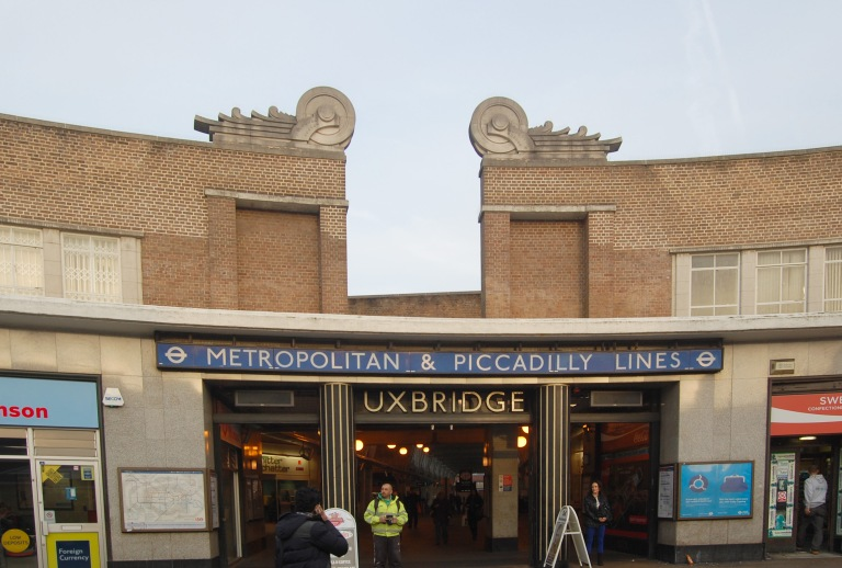 Uxbridge station entrance. By Daniel Wright [CC BY-NC-ND 2.0]