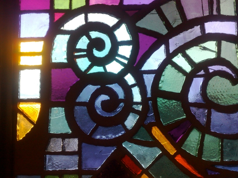 Stained glass panel, Broadway Junction New York City Metro station, New York, USA. By [CC BY 2.0] via this flickr page