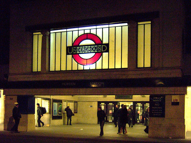 Morden station at night. George Rex [CC-BY-SA-2.0], via Wikimedia Commons