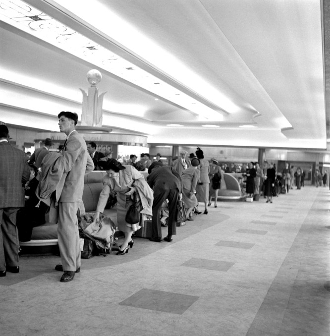 First Class waiting hall, Ocean Terminal, Southampton. © National Railway Museum and SSPL. Released for non-commercial use [CC BY-NC-SA] via this webpage.