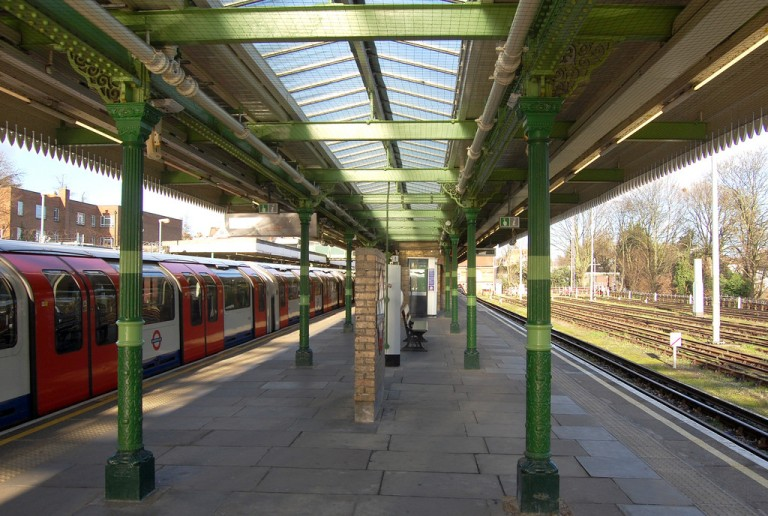 Woodford station platforms. By Daniel Wright [CC BY-NC-ND 2.0] via this flickr set