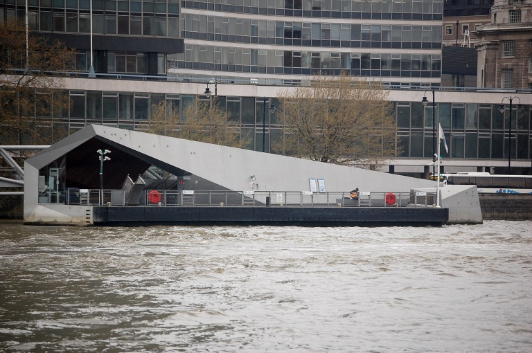 Millbank Millennium Pier. By Daniel Wright [CC BY-NC-ND 2.0] via this flickr set