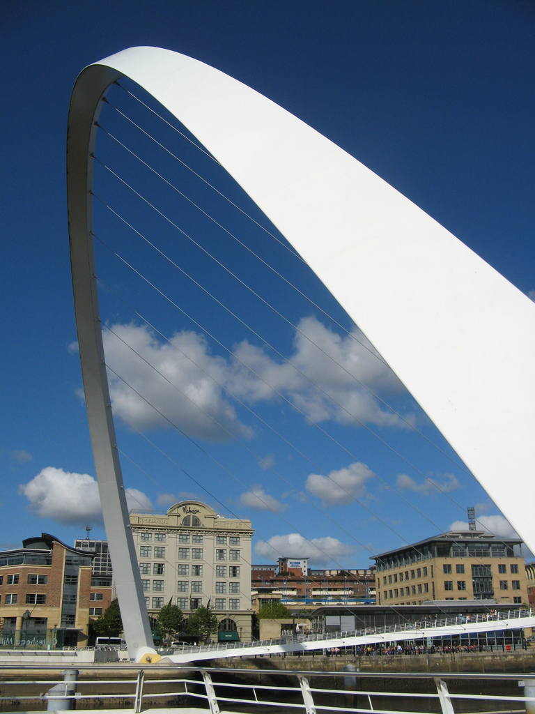 Gateshead Millennium Bridge. Photo by iknow-UK [CC BY 2.0] via this flickr page