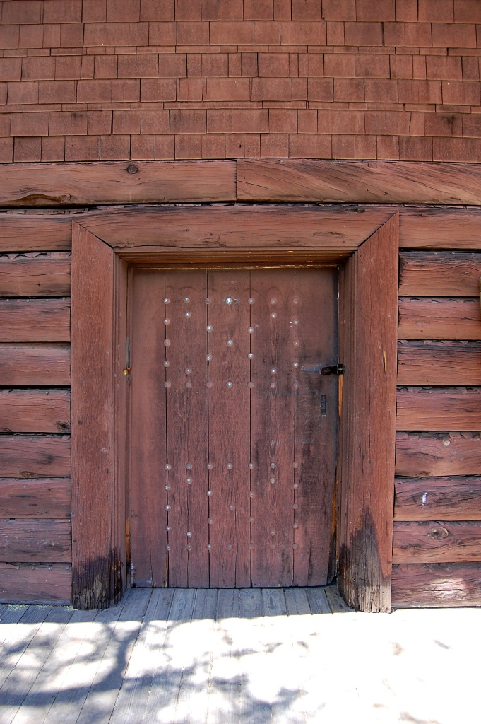 External door at Grand Canyon train depot. Photo by Daniel Wright [CC BY-NC-ND 2.0] via this flickr set