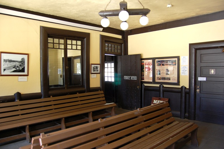 inside the waiting room at Grand Canyon train depot. Photo by Daniel Wright [CC BY-NC-ND 2.0] via this flickr set