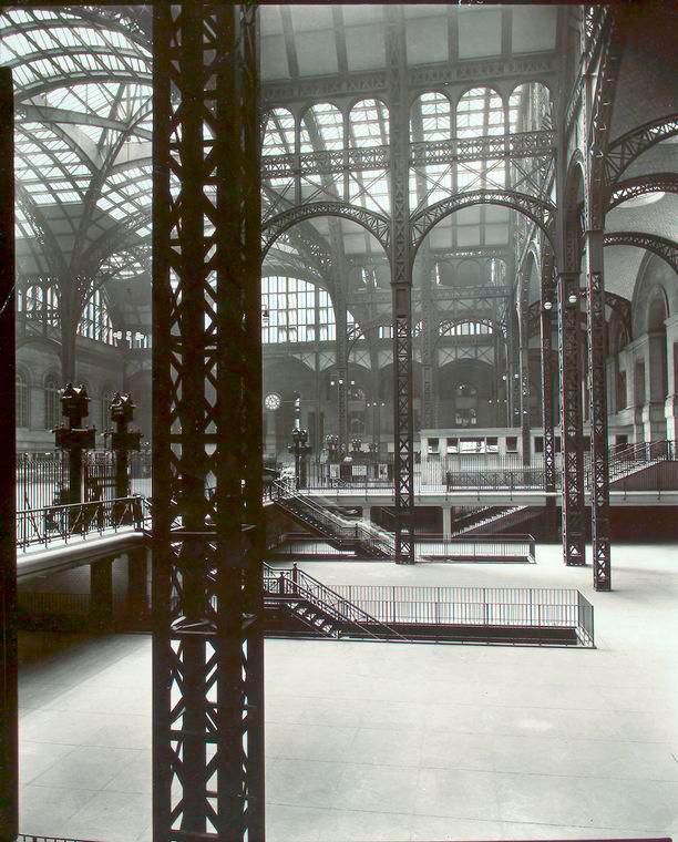 By New York Public Library [Public domain], via Wikimedia Commons
