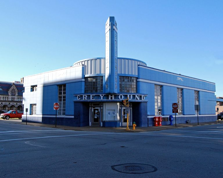 Evansville Greyhound terminal, as seen in 2008. It has since been boarded up, which is a bit worrying. Oh well, fingers crossed. Photo By Tim Schapker [CC BY 2.0], via Wikimedia Commons