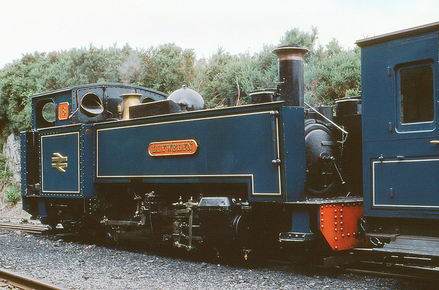 Locomotive no. 8 at the Vale of Rheidol railway in 1980. Photo by Barry Lewis [CC BY 2.0] via this flickr page
