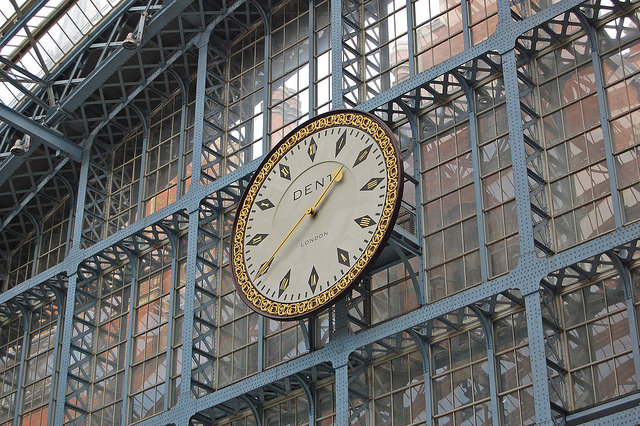The clock at the south end of St Pancras's trainshed. Photo by Daniel Wright [CC BY-NC-ND 2.0] via this flickr set]