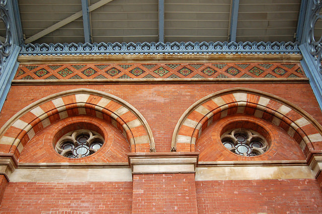 Minton tile frieze on the west wall of St Pancras. Photo by Daniel Wright [CC BY-NC-ND 2.0] via this flickr set]