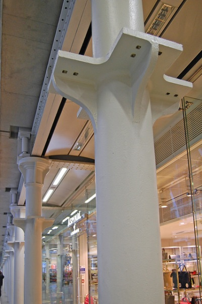 Pillars in the undercroft at St Pancras. Photo by Daniel Wright [CC BY-NC-ND 2.0] via this flickr set]