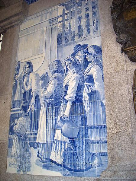 By Silvia Santos (Own work) [CC BY-SA 3.0], via Wikimedia Commons