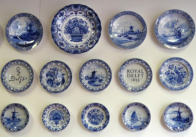 Delftware. By michael clarke stuff (Delft 02Uploaded by russavia) [CC BY-SA 2.0], via Wikimedia Commons