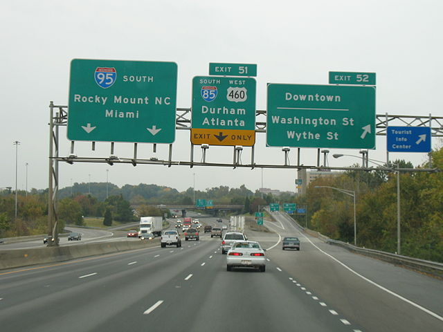 https://commons.wikimedia.org/wiki/File:I-95_exit_52.jpg