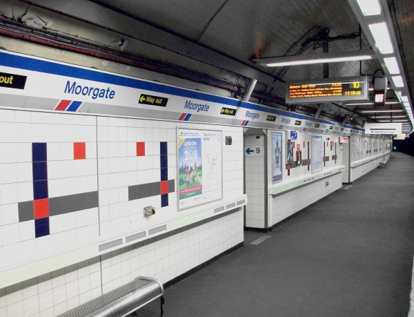 Moorgate station, London, still withperfect Network SouthEast decor, a mere 19 years after the privatisation of British Rail. Photo by Daniel Wright [CC BY-NC-ND 2.0] via this flickr page