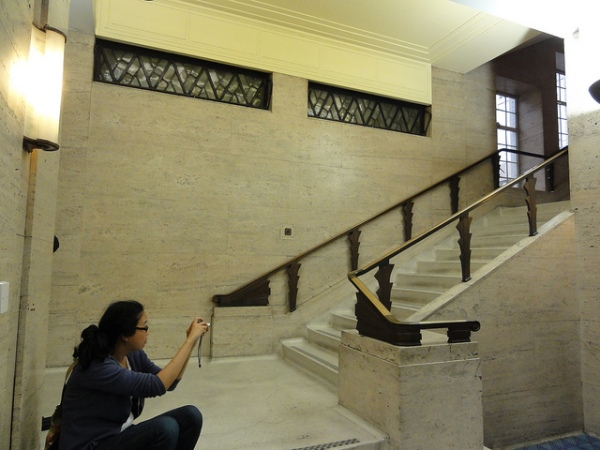 55 Broadway's main staircase at ground level. The building has opened to the public on London Open House weekends, and as you can see is much admired. Photo by zoer [CC BY 2.0] via this flickr page