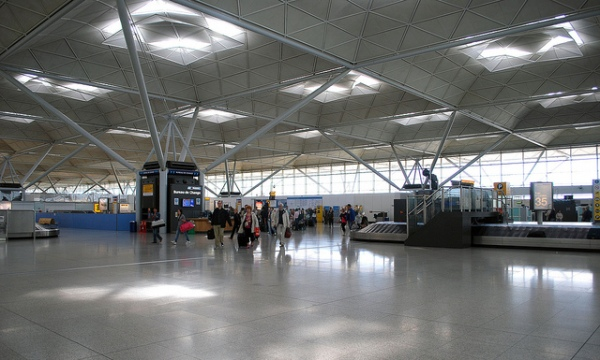 The arrivals area at Stansted, lit by natural light. Photo by Cecil Lee [CC BY 2.0] via this flickr page