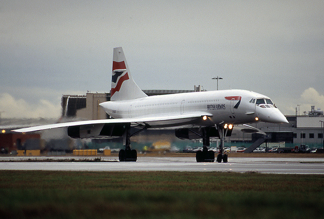 At Heathrow, with nose down and visor dropped. Photo by Paul Nelhams [CC BY 2.0] via this flickr page