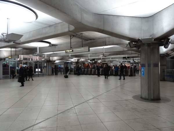 The ticket hall at Westminster Underground station. Photo by Ian Wright [CC BY 2.0] via this flickr page