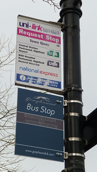 Southampton Town Quay bus stop, where a messy arrangement saw a Greyhound flag attached underneath a local bus services flag. Photo By Arriva436 (Own work) [CC BY-SA 3.0 or GFDL], via Wikimedia Commons