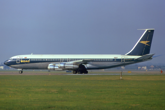 The second version of the BOAC corporate identity, seen on a Boeing 707. Photo by Bruno Geiger Airplane Pictures and Collection [CC BY 2.0] via this flickr page