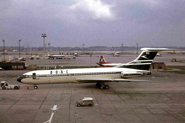 The first version of BOAC's corporate identity, seen on a VC-10 at London Heathrow Airport in 1964. Photo by Ken Fielding/http://www.flickr.com/photos/kenfielding [CC BY-SA 3.0 or CC BY-SA 3.0], via Wikimedia Commons