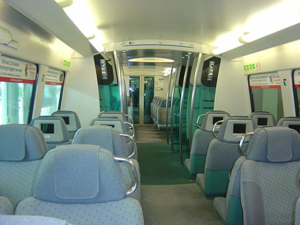 Airport Express train interiors are designed to be restful. Photo by KMB-ATE1 (Own work) [GFDL or CC BY-SA 3.0], via Wikimedia Commons