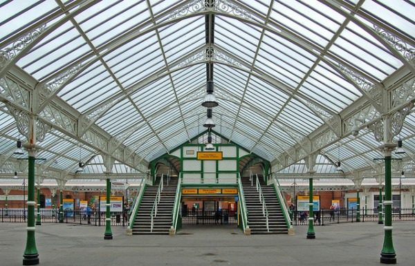 Tynemouth station's twin footbridge. Photo by Daniel Wright [CC BY-NC-ND 2.0] via this flickr album