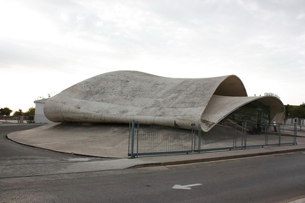Casar de Cáceres bus station. Photo by Jose Antonio Cotallo López [CC BY-ND 2.0] via this flickr page