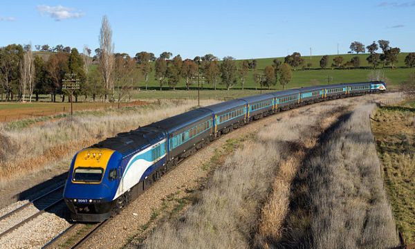 Like the InterCity 125s, the Australian XPTs are still going strong. Here's one in 2015. Photo by Kabelleger / David Gubler [CC BY-SA 4.0], via Wikimedia Commons