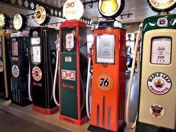 Vintage gasoline pumps in a museum in Canada. Photo by Pixel1 via this Pixabay page