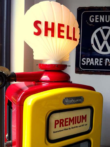 Vintage Shell petrol pump in the collection of S T Engineering, Haslemere, Surrey. Picture taken with kind permission, by Daniel Wright [CC BY-NC-ND 2.0]