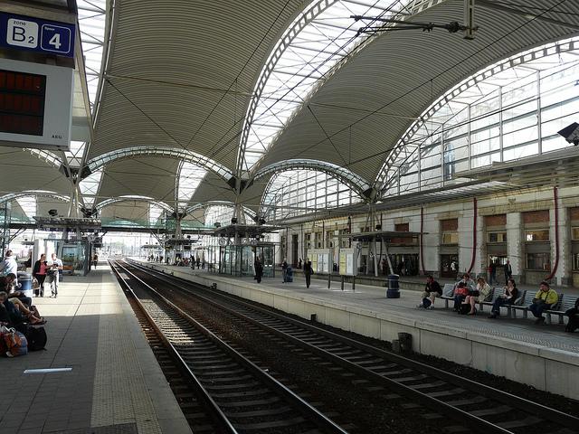 Leuven station. Photo by Dariusz Sieczkowski [CC BY 2.0] via this flickr page