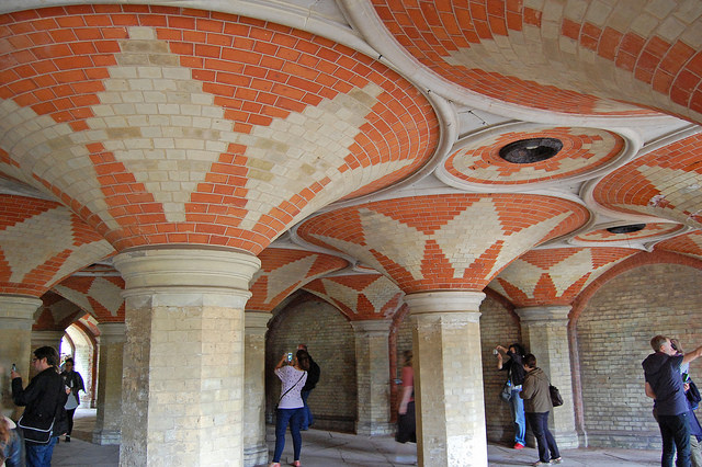 Crystal Palace Subway, proving its appeal to some of the several thousand people who visited it during 2016's London Open House weekend. Photo by Daniel Wright [CC BY-NC-ND 2.0] via this flickr album