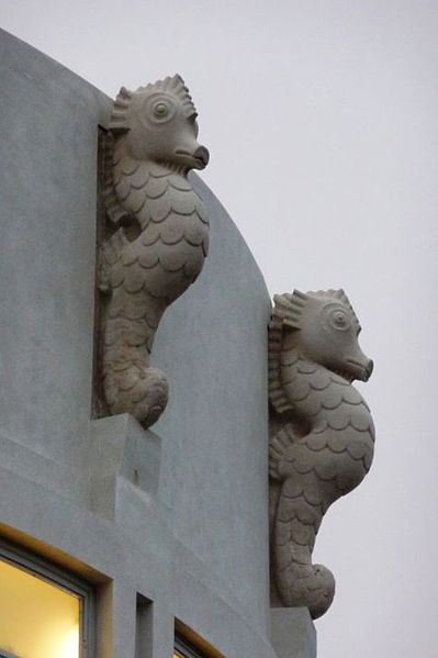 Gill's seahorse sculptures. Photo by j lord (Midland Hotel Morecambe) [CC BY 2.0], via Wikimedia Commons