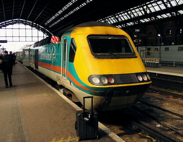 St Pancras in 2004. The HST is glowing in teal green but it's startling to see just how gloomy and dirty St Pancras was before its transformation into St Pancras International. Photo by Roger Marks [CC BY-NC-ND 2.0] via this flickr page