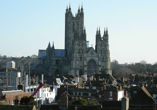 Canterbury Cathedral, looming over its surroundings and completely failing to blend in. I expect it's also on John Hayes' hitlist. Oh, it isn't? Really? Photo by By Linda Spashett (Storye book) (Own work) [CC BY 3.0], via Wikimedia Commons